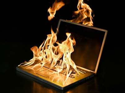 Máy tính nóng bất thường phải xử lý như thế nào?